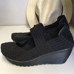 Nine West woven black platform shoes